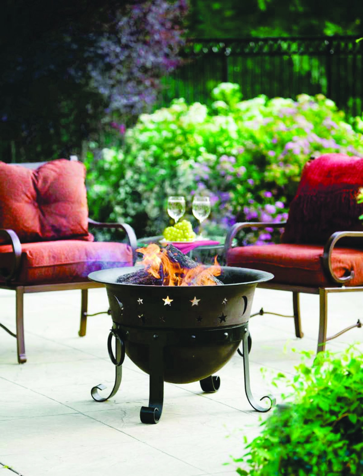 Catalina Creations Heavy Duty Cast Iron Fire Pit with Cover and Accessories, 29''