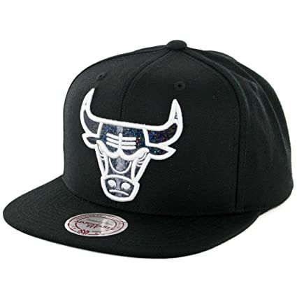 new style eaf28 4e5ec Mitchell   Ness NBA Dark Hologram Snapback Hat - Black (Adjustable, Chicago  Bulls)