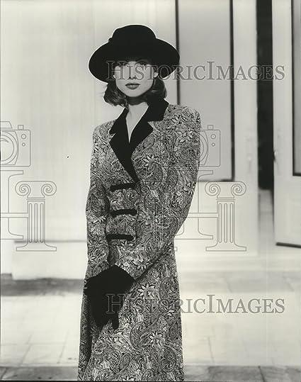 Vintage Photos 1995 Prensa Fotos Ajuste y Flare Vestido por Lanz Vestidos Otoño 1994 Fashions