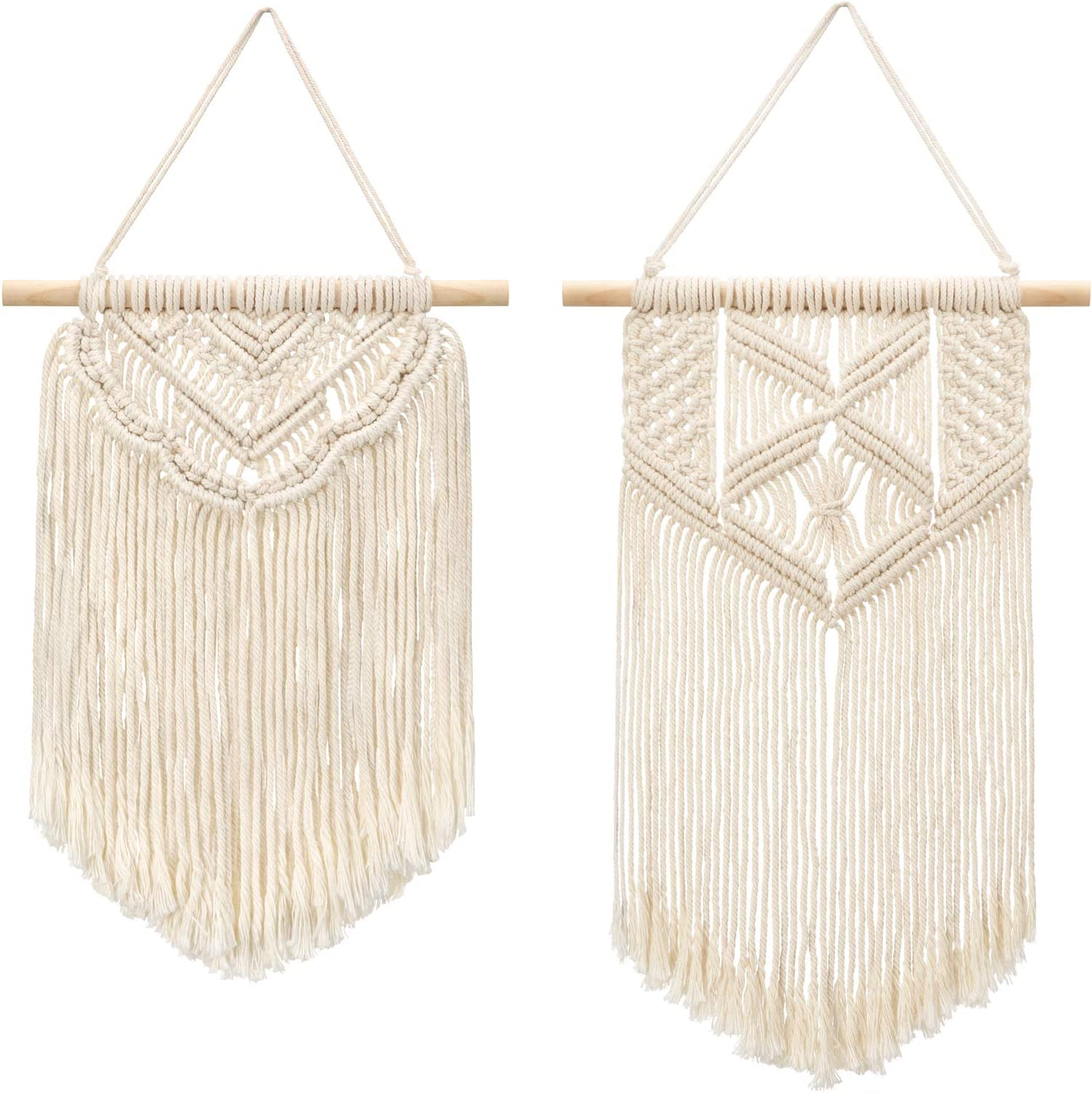 How to decorate your boho style living room. fringe wall decor.