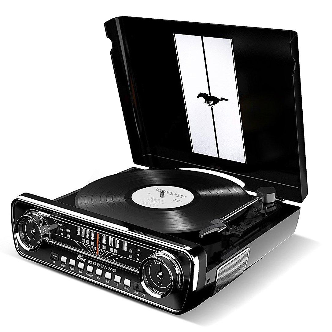 ION Audio Mustang LP Giradiscos  estilo retro de Ford con tracción