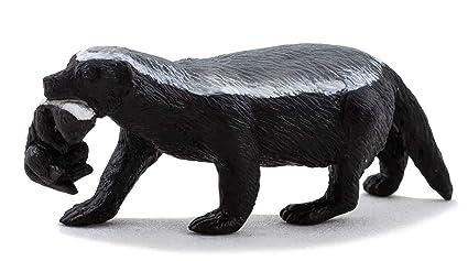 Amazoncom Mojo Honey Badger Female With Cub Toy Figure Toys Games