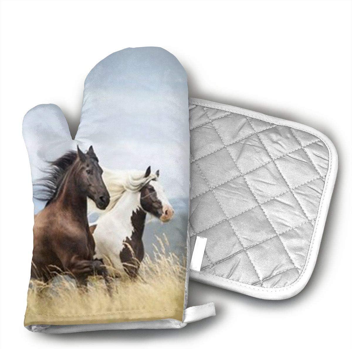GNKJTYSK Horses Running Art Print Heat-Resistant Polyester Cotton, Nylon Gloves and Pot Holder for Kitchen, Non-Slip Sleeve, 2 Sets Each, Oven Gloves for Barbecue Cooking