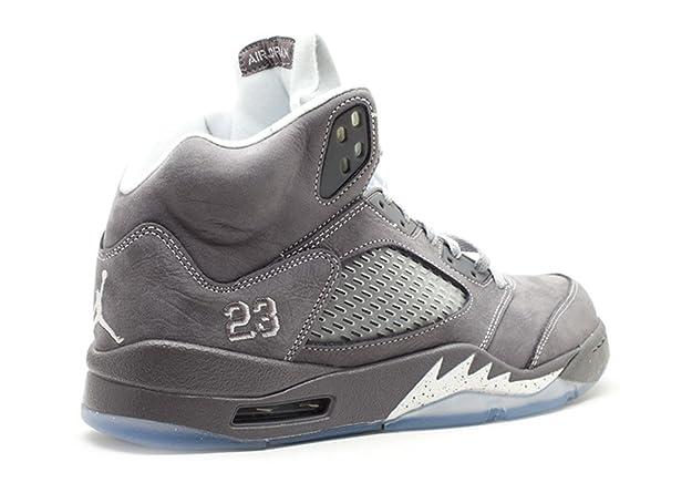 100% authentic b350a e6bd9 Amazon.com   Air Jordan V (5) Retro (Light Graphite   White-Wolf Grey) 10.5  D(M) US   Basketball