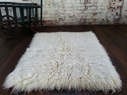 Super Thick 2 x 3 flokati Rug