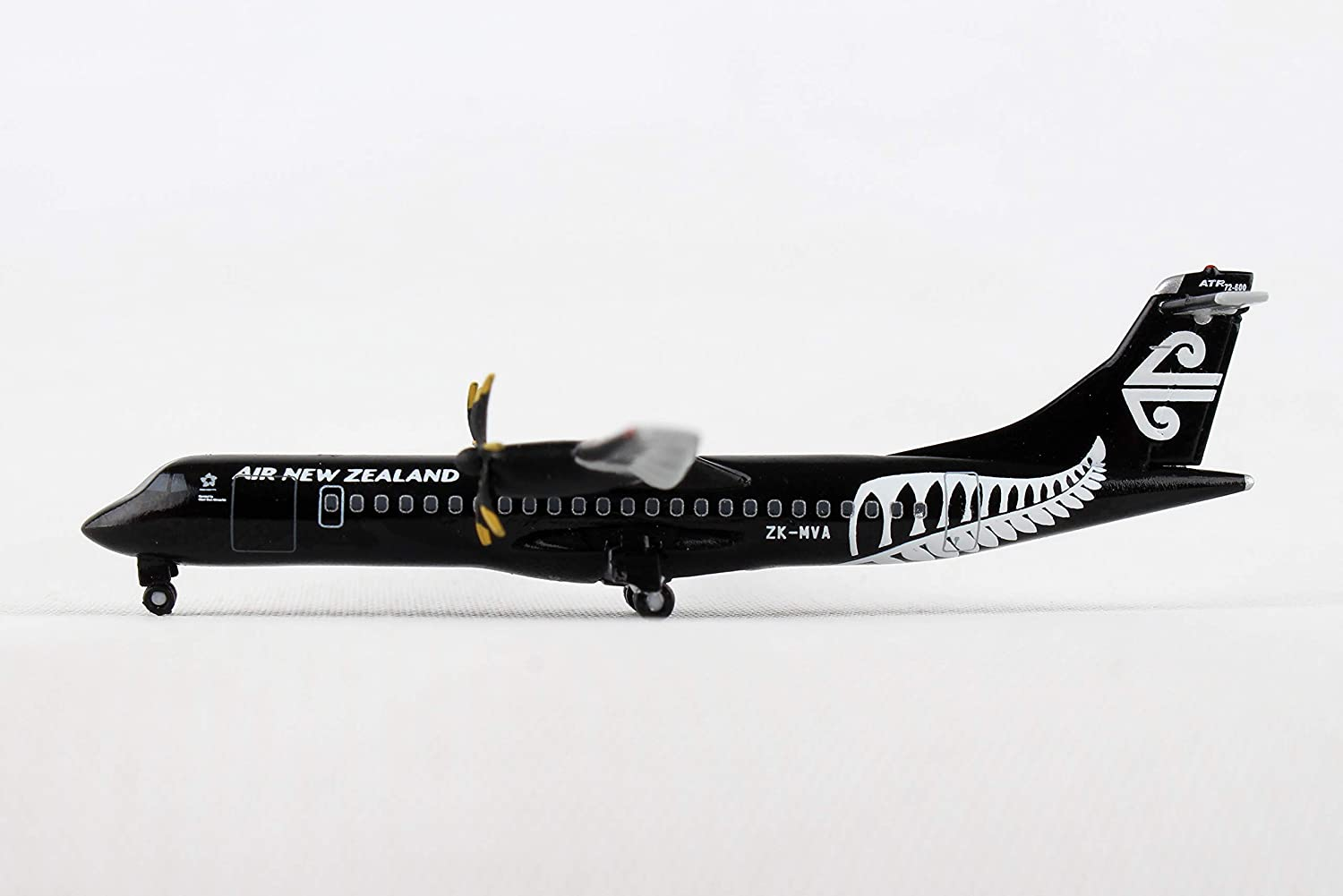 Herpa 530446 Air New Zealand ATR72600 All BlacksZKMVA, Fahrzeug
