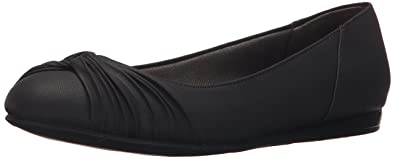LifeStride Women's Notorious Flat, Black, ...