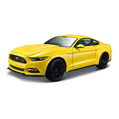 Maisto 1:18 Scale 2015 Ford Mustang Diecast Vehicle (Colors May Vary): Maisto: Toys & Games