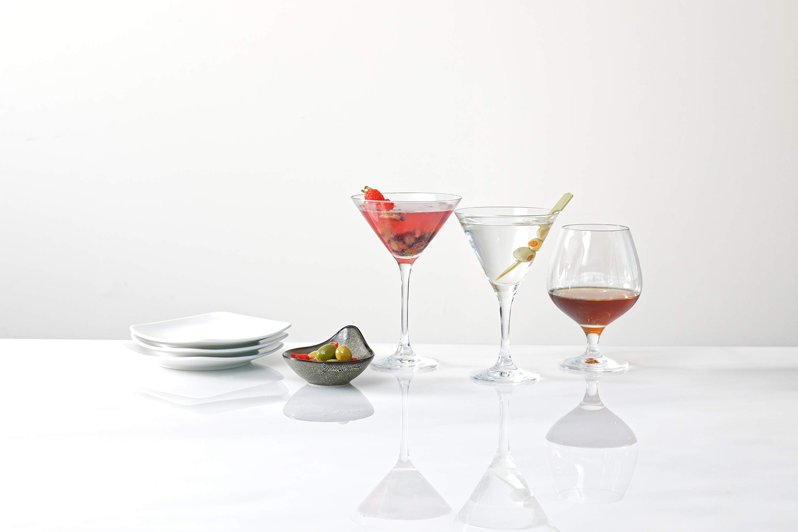 Schott Zwiesel Basic Bar Designed by World Renowned Mixologist Charles Schumann Tritan Crystal Glass, Traditional Martini Cocktail, 6.1-Ounce, Set of 6 by Schott Zwiesel (Image #3)