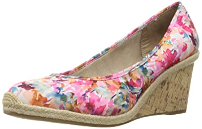 49860bc739b6 LifeStride Womens Listed Wedge Pump  Lifestride  Amazon.ca  Shoes ...