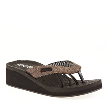 94e464e7a44e toesox Kirra Wedge Sandals