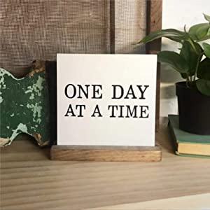 BYRON HOYLE One Day at A Time Wood Sign,Wooden Wall Hanging Art,Inspirational Farmhouse Wall Plaque,Rustic Home Decor for Living Room,Nursery,Bedroom,Porch,Gallery Wall