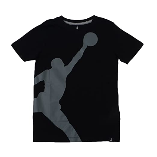 caa89cbcac7d Amazon.com  Nike Air Jordan Boys Jumpman 23 Dri-Fit T-Shirt  Clothing