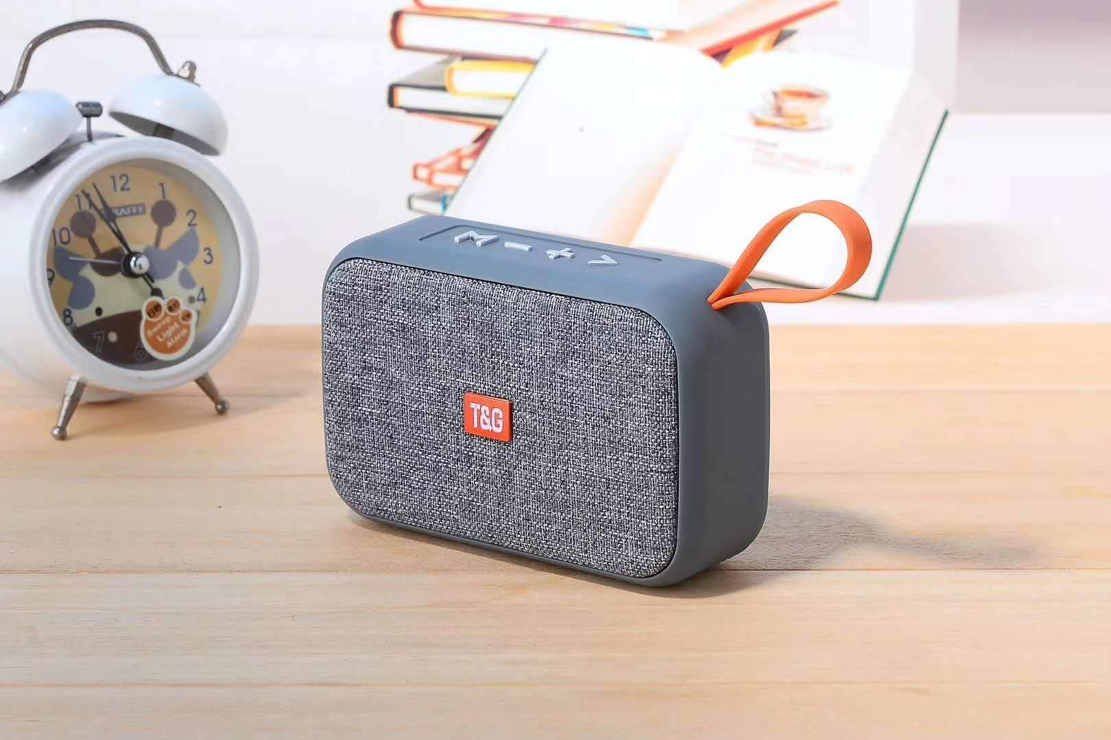 Angoo Beauty Portable Stereo Radio Wireless Bluetooth Speaker Loudspeaker Portable Bluetooth Speakers (Silver) by Angoo Beauty
