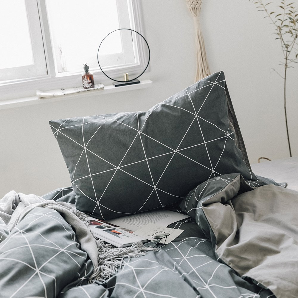 Cotton Geometric Plaid Bed Pillowcases Set of 2 Queen Modern Men Boys Pillow Covers for Teens Adults Luxury Soft Standard Decorative Pillow Shams, Envelope Closure, (2 Pieces, 20''×26'')