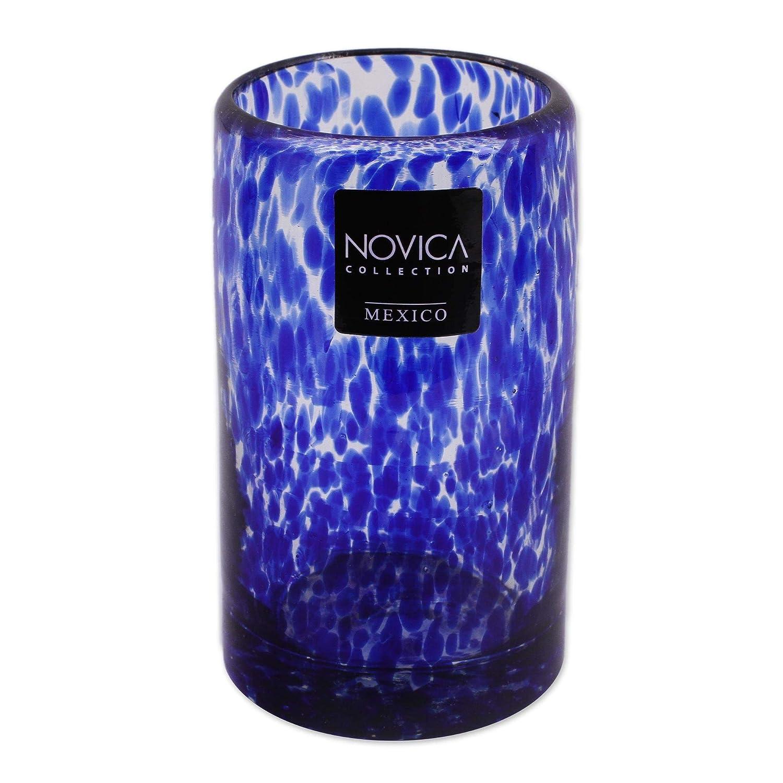 Amazon.com: NOVICA Azul Soplado A Mano vidrio reciclado Jugo ...