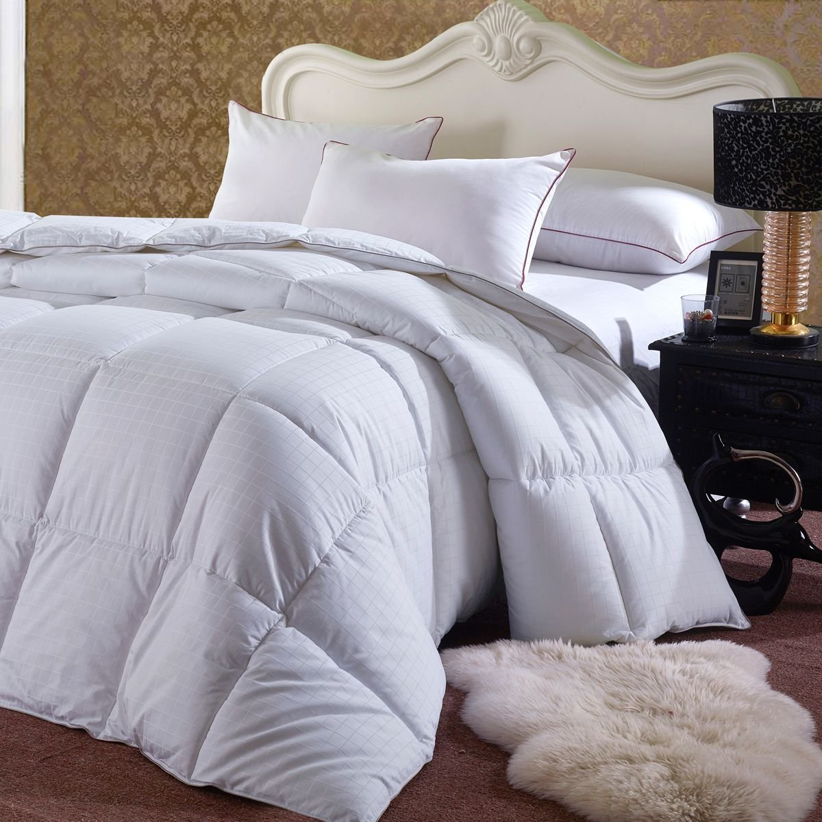 Soft and Fluffy, Overfilled Dobby Down Alternative Comforter, Full / Queen Size, Checkered White, 100% Cotton Shell 300 TC - 85 OZ Fill - Duvet Insert