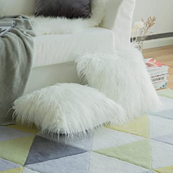 MIULEE Pack of 2 Decorative New Luxury Series Style Christmas White Faux Fur Throw Pillow Case Cushion Cover for Sofa Bedroom Car 18 x 18 Inch 45 x 45 ...