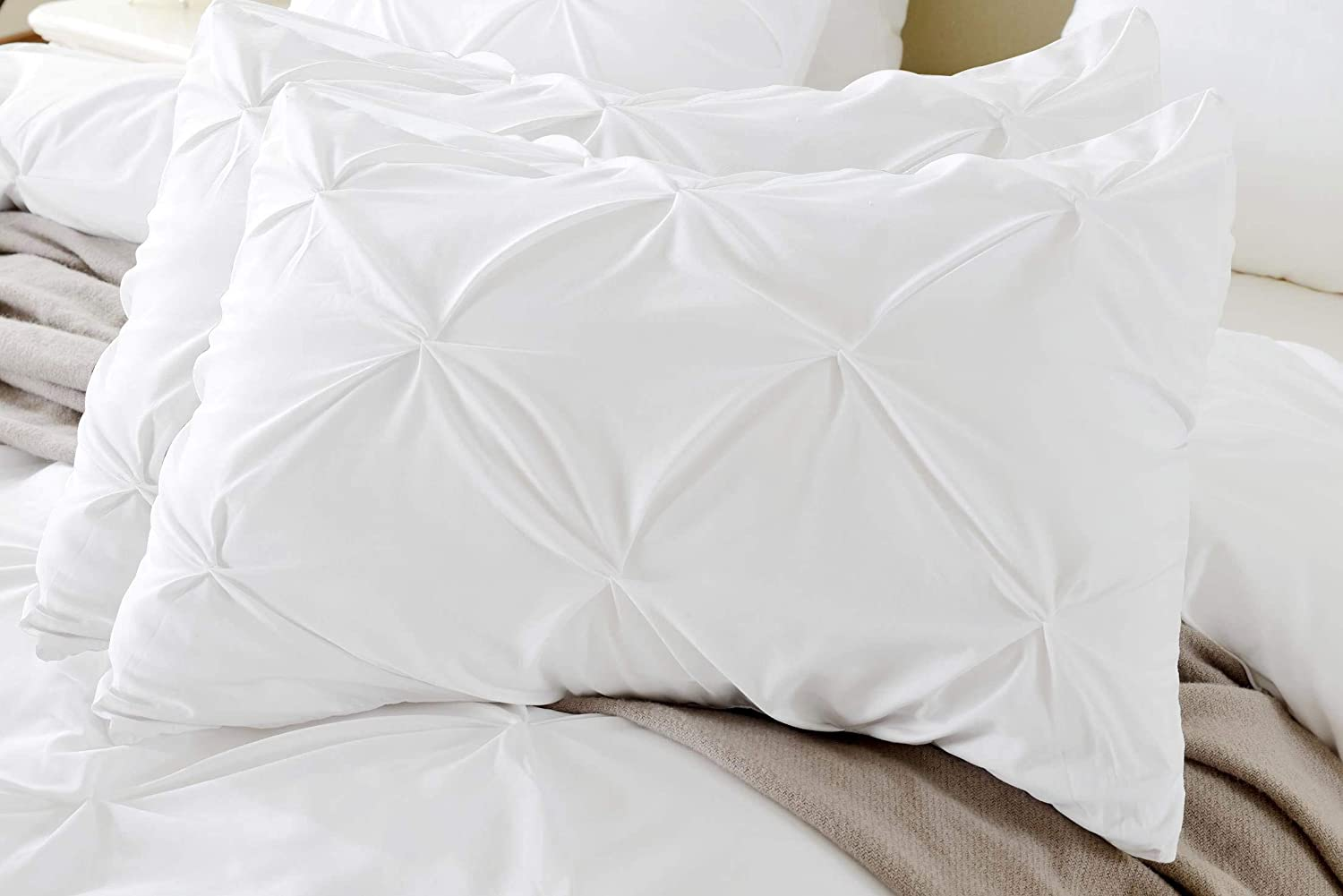 Kotton Culture Set of 2 Pillow Shams Pinch Pleated 100% Egyptian Cotton 600 Thread Count Super Soft Decorative Hotel Class Bedding (Queen/Full, White)