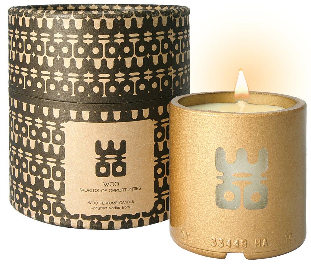 Collection de bougies porte-bonheur WOO | Bougie d'aromathérapie en cire d'abeille écologique, fabriquée à la main | Boîte-cadeau Exquise | Rechargeable | Parfum anti-stress Tranquility | Chèvrefeuille, cardamome et un soupçon d'agrumes | 25 heures WOO - W