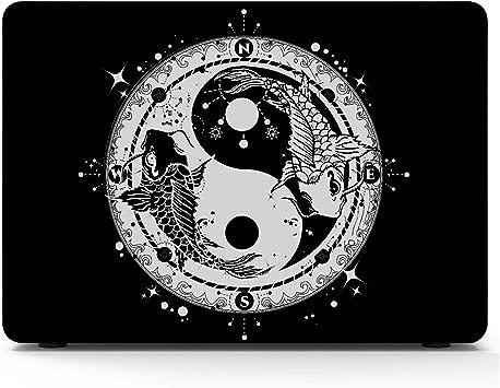 Carpa en Blanco y Negro con símbolo de Yin y Yang Tatto Macbook Air/Pro 11/
