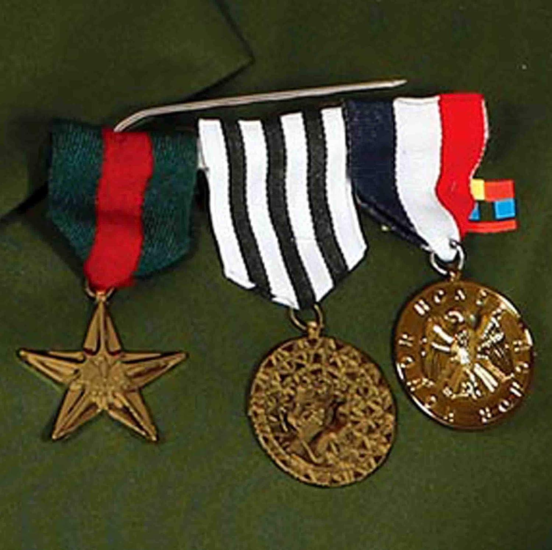 Guirca- Insignia Militar con 3 medallas (Müller & Küssner GbR spillamilit): Amazon.es: Juguetes y juegos