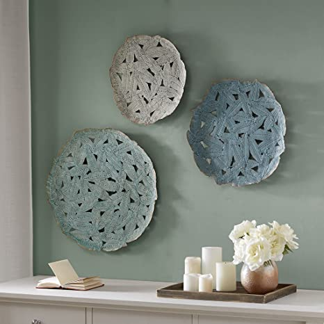 Amazon Com Modern Contemporary Feather Pattern Easy To Hang Decorative Plates Home Kitchen