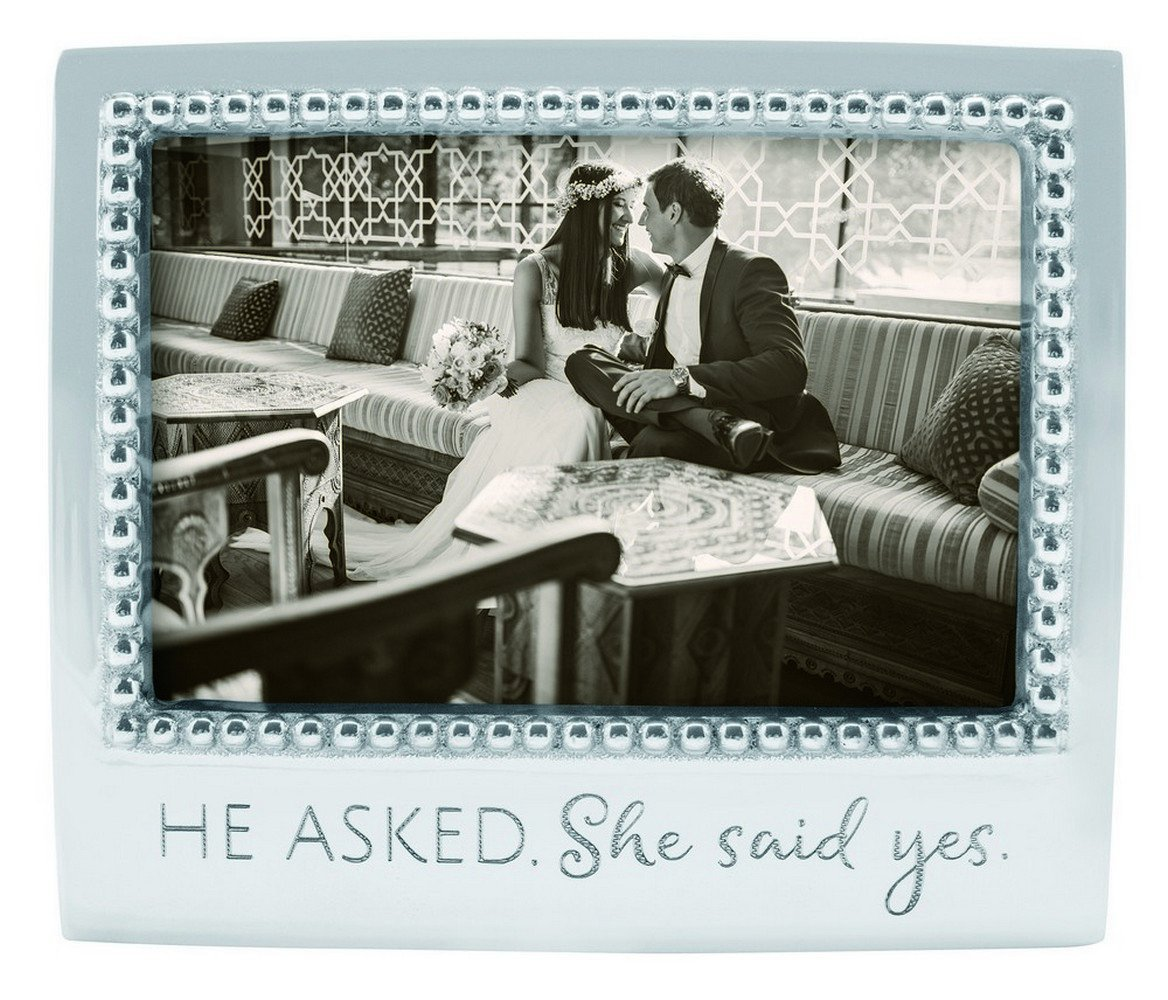 Mariposa ''He Asked. She said Yes'' Frame