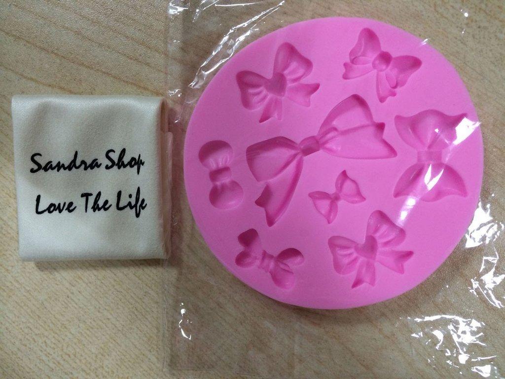 Yunko 8 Mini Bows Silicone Mould Fondant Sugar Bow Craft Molds DIY Cake Decorating SYNCHKG052459