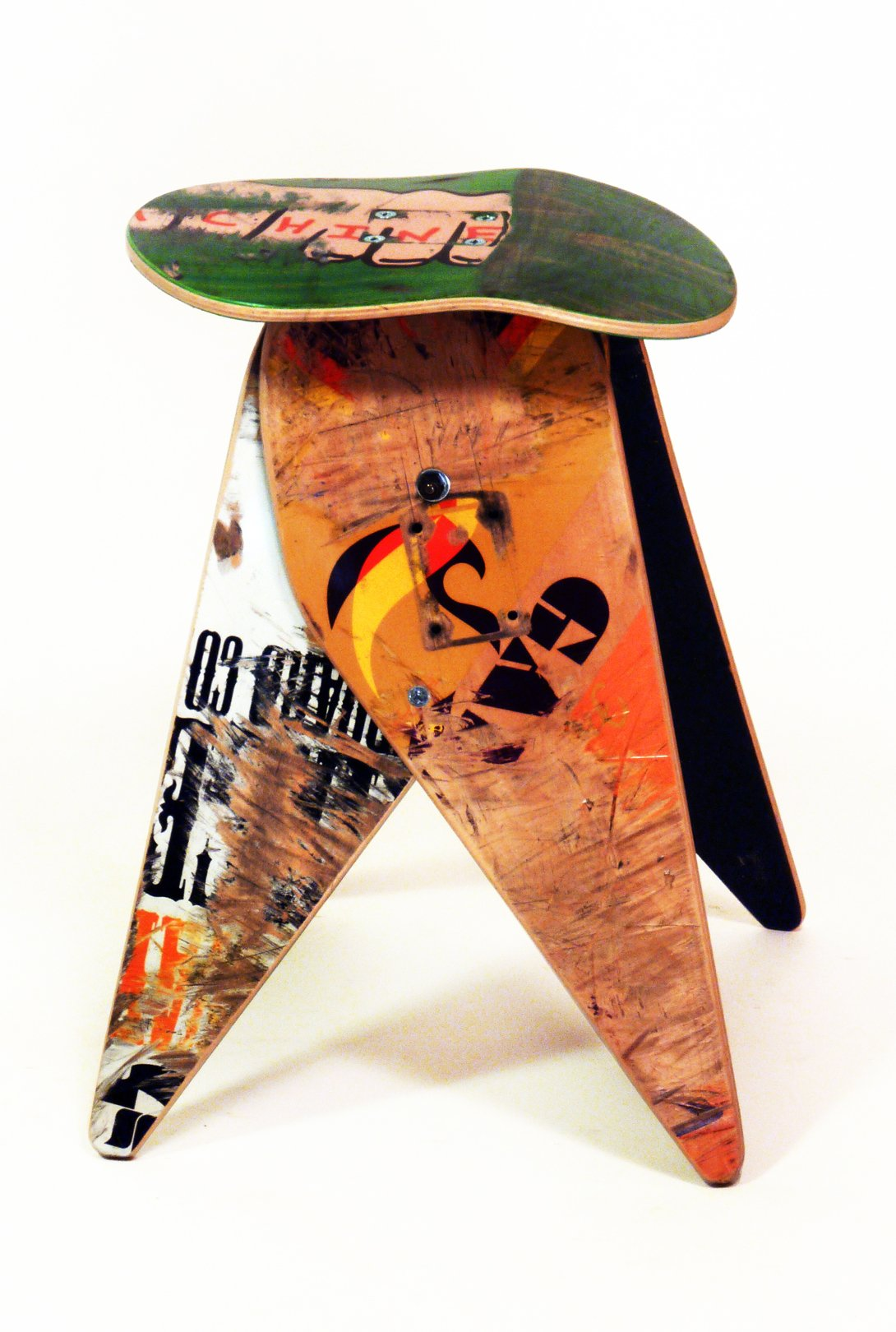 Recycled Skateboard Stool by Deckstool