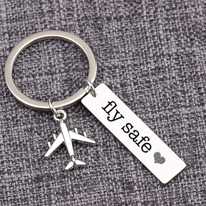 Weryffe Kreative Schlüsselanhänger Metall Persönlichkeit Fly Safe Reisen Schlüsselanhänger Stilvolle Legierung Schlüsselanhänger Für Auto Attendant Pilot Geschenk Silberfarbe Küche Haushalt