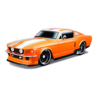 Maisto R/C 1:24 Scale 1967 Ford Mustang GT Radio Control Vehicle (Colors/ Mhz May Vary): Toys & Games