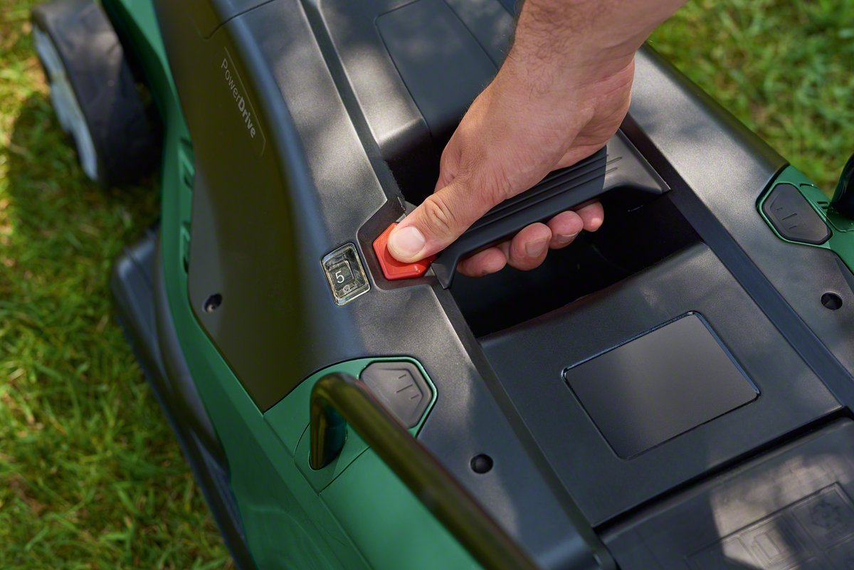 Bosch Cortacésped eléctrico UniversalRotak 550, 1300W, 550m², caja colectora de 40 l, caja de cartón: Amazon.es: Bricolaje y herramientas