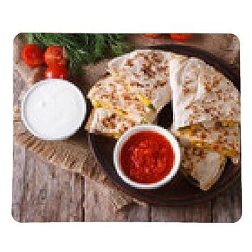 alfombrilla de ratón Con queso con verduras y salsas. vista superior horizontal - rectangular -