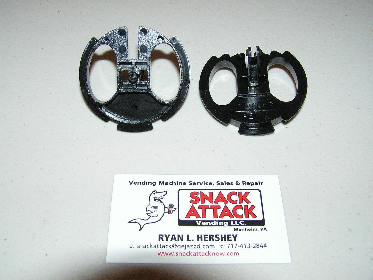 AMS 35/39 SNACK or COMBO VENDING MACHINE (2) SPIRAL HUB ADAPTORS (Part#20966)!