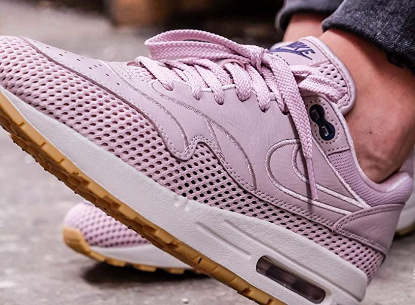 factory price 4e327 8707b Nike Womens Air Max 1 SI Particle Rose (6.5 B(M) US). Back. Double-tap to  zoom