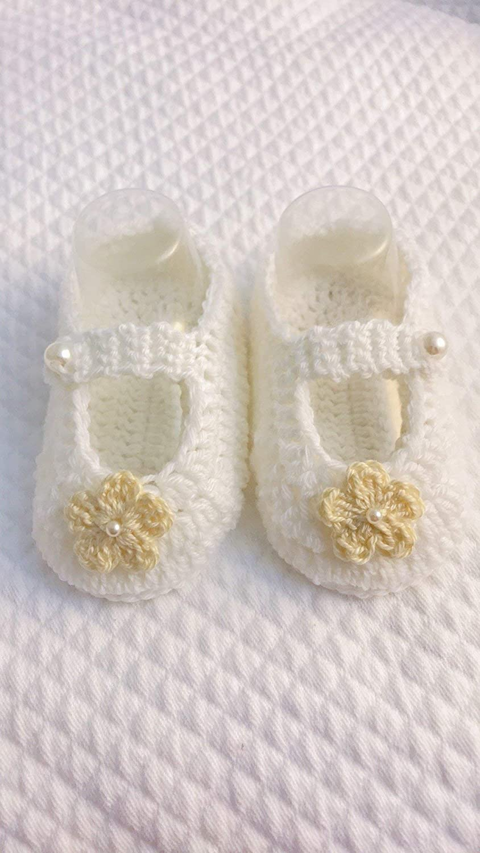 Zapatos de bebé de ganchillo | 45 colores | lana o algodon | bailarines de bebé con flor | zapatos de bebé suaves o calientes o zapatillas | ilnodocreativo: ...