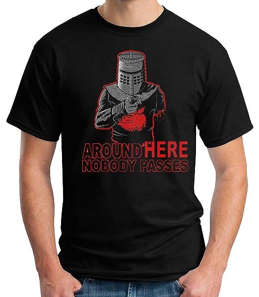 35mm - Camiseta Niño Monty Python Around Here Nobody Passes  Amazon.es  Ropa  y accesorios d121ce43154b9