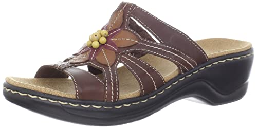 a091d2aa08ba Clarks Women s Lexi Myrtle Brown  Amazon.ca  Shoes   Handbags