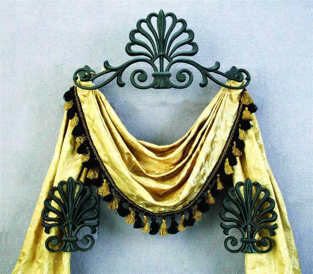 Casa Artistica by Menagerie Peacock Design Top Treatment with Holdbacks, Gold, Set of 3