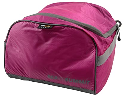 be7aa6a506 Amazon.com  Sea to Summit Travelling Light Toiletry Cell  Sports ...