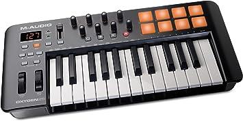M-Audio Oxygen 25 IV - Teclado controlador MIDI USB ultra portátil con 25 teclas y pads sensibles a la intensidad, sistema DirectLink de asignación ...