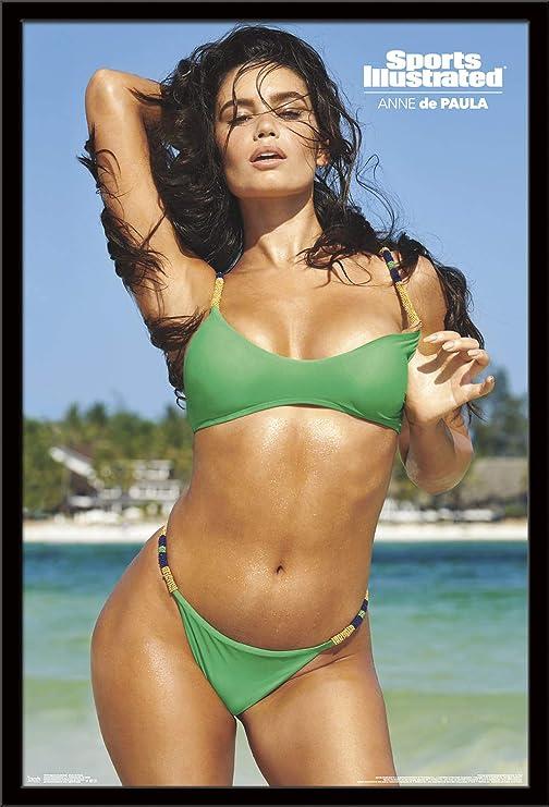 Amazon Com Trends International Sports Illustrated Swimsuit Edition Anne De Paula 22 375 X 34 Black Framed Version Home Kitchen