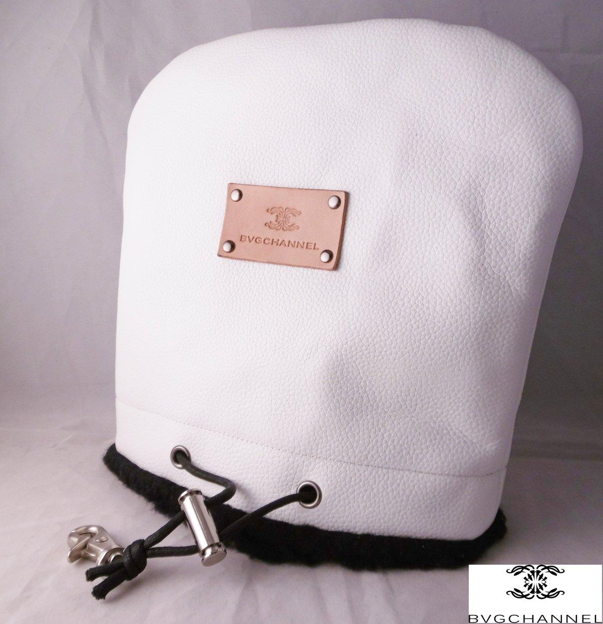 【高価値】 レザーアイアンカバー ホワイト アマルティアヴェネレ 最高級天然皮革 ホワイト B00UFF5IA2 B00UFF5IA2 ホワイト ホワイト, ソウマムラ:218fae65 --- vezam.lt