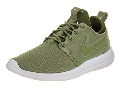5267a49b0e82e NIKE W Roshe Two Women  s Sneaker Green 844931 302