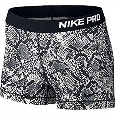 e6ed33571a Nike Women's Pro 7.5CM Vixen Training Shorts, Black, XL: Amazon.co ...