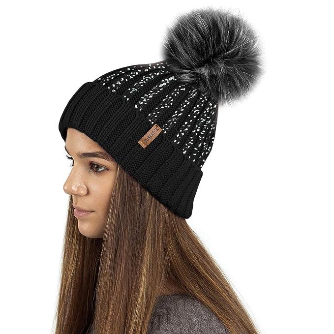 507774cdc07 TOSKATOK Ladies Womens Girls Ribbed Knit Winter Beanie Bobble Hat with  Stylish Silver Gold Metallic Foil Print   Large Faux Fur Pom Pom   Amazon.co.uk  ...