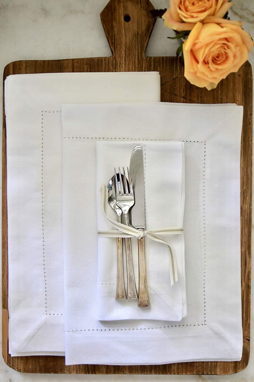 Fennco Styles Handmade Basic Hemstitch Border Linen-Cotton Tablecloth 14x20 Placemats-Set of 4