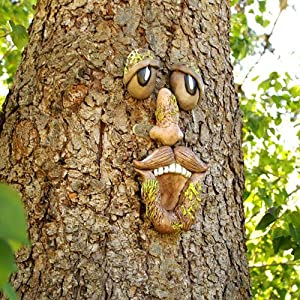 EIIORPO Tree Faces Decor Outdoor,Tree Face Outdoor Statues Old Man Tree Hugger Bark Ghost Face Facial Features Decoration Funny Yard Art Garden Decorations for Easter Creative Props.(A)
