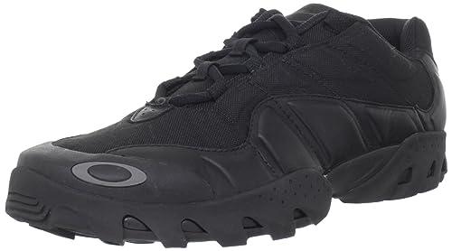 81d573b433e Oakley - Botas de Ante para Hombre Negro Negro  Amazon.es  Zapatos y  complementos